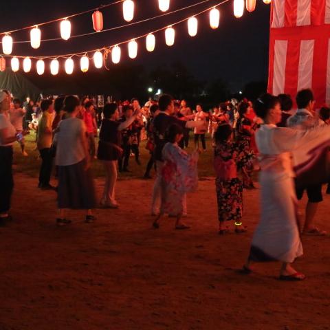 なら奈良まつり 行ってきたよ!盆踊りに花火に屋台・盆踊りは生演奏で迫力あったわ~