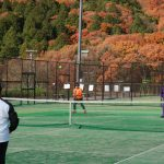 しあわせの村で宿泊・社会人のテニス合宿 神戸編 テニスはみのたにグリーンで温泉・紅葉も満喫