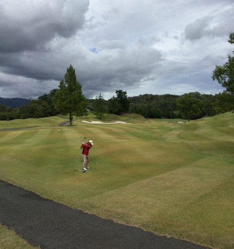 【レイクフォレストセンチュリーコース】京都にあるリゾートゴルフ場 温泉はあるけど練習場はない